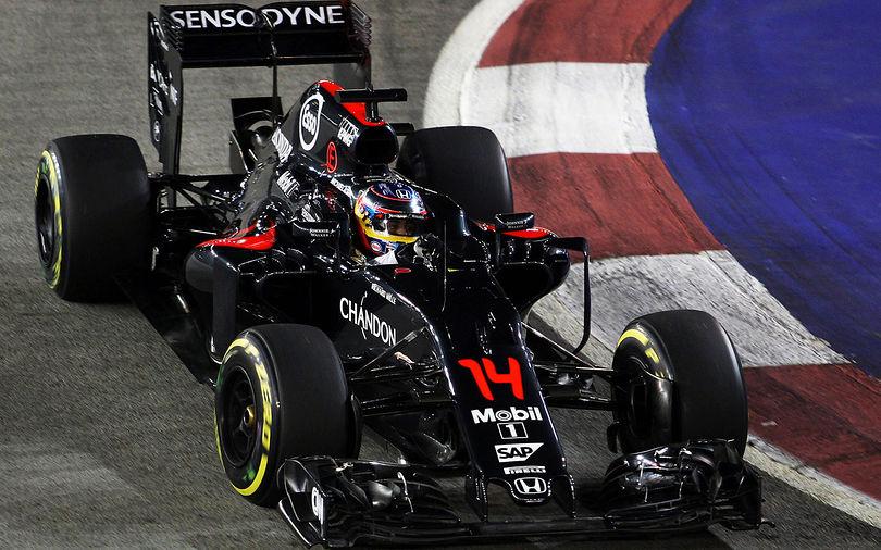 Alonso hails McLaren's strategy