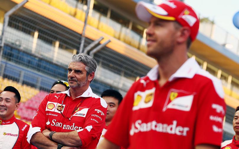 Arrivabene praises 'great racing' by Ferrari drivers