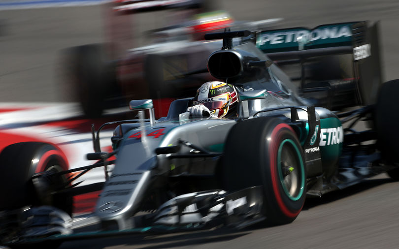 Hamilton and Rosberg closely matched in FP3