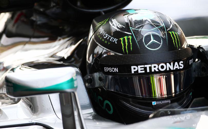 Rosberg tops final Singapore practice