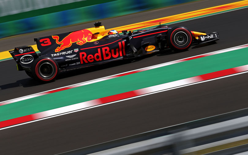 Ricciardo stays ahead in second session at Hungary