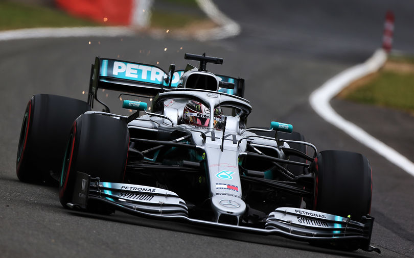 Hamilton takes record beating 6th win at Silverstone