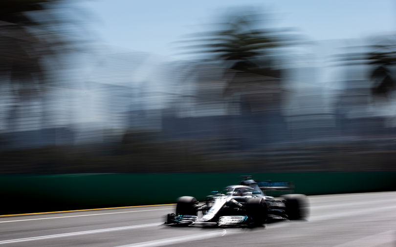 Mercedes stamps advantage in Melbourne qualifying