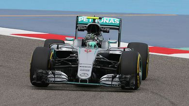 Rosberg seals 7th consecutive win without threat